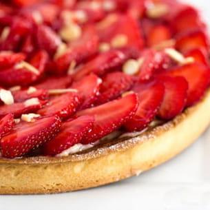 tarte patissière aux fraises et crème d'amandes