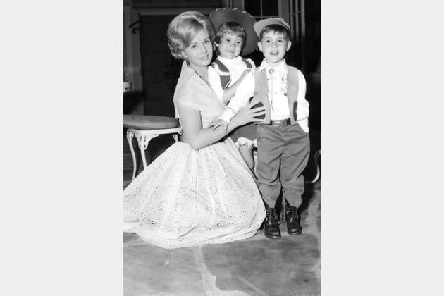 Avec ses enfants, Carrie et Todd