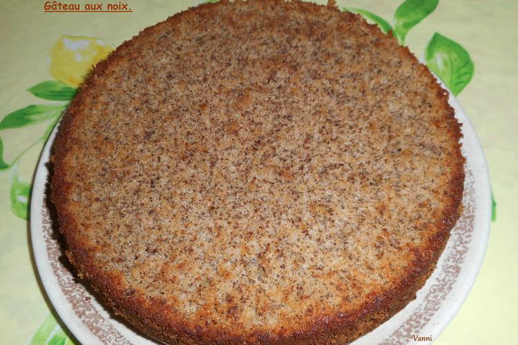 Gâteau aux noix classique