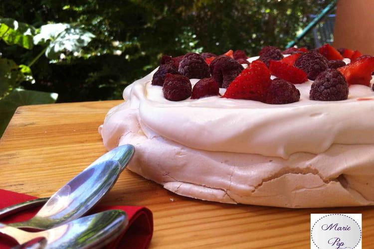Pavlova aux fruits rouges ultra simple