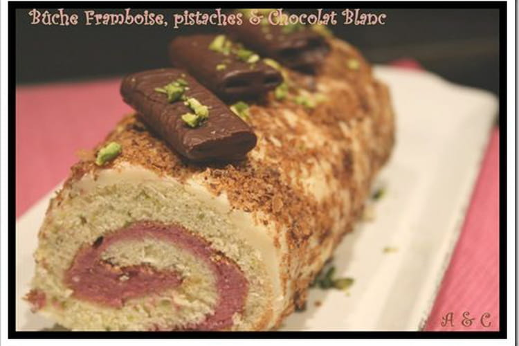 Gâteau roulé framboise-chocolat blanc