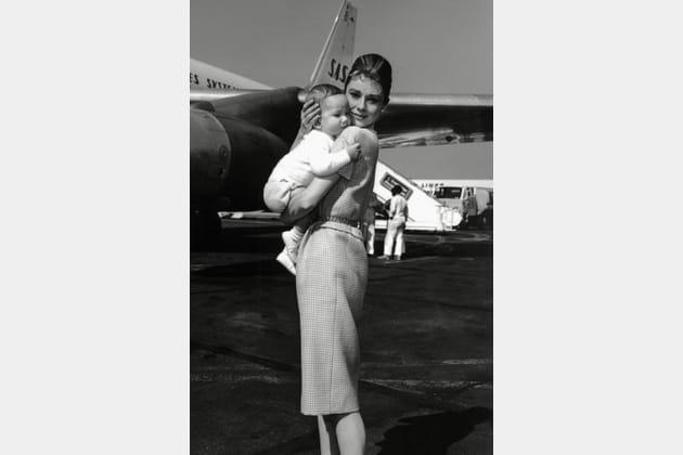 Audrey Hepburn en robe fourreau