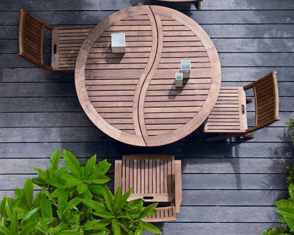 table et chaises en teck de truffaut. Black Bedroom Furniture Sets. Home Design Ideas