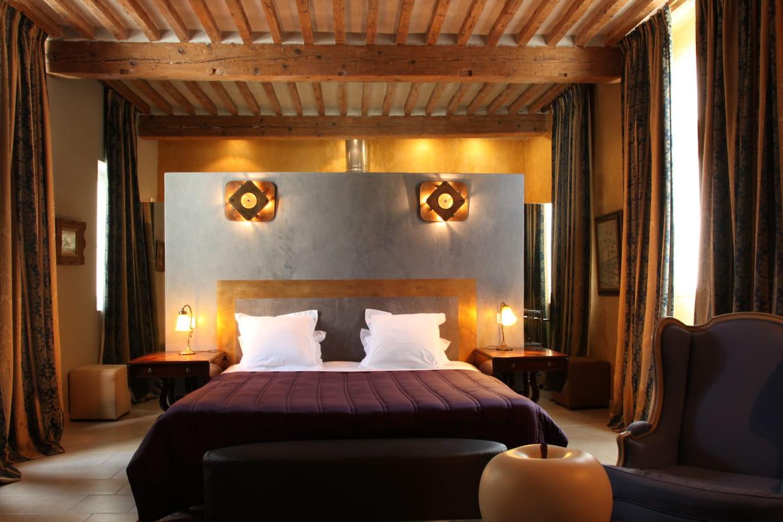 une cloison lumineuse. Black Bedroom Furniture Sets. Home Design Ideas