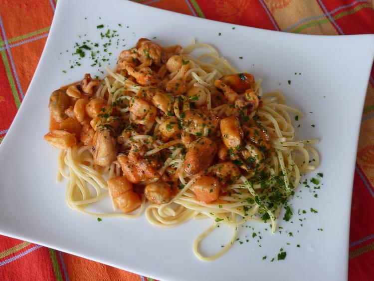 Recette de spaghetti aux fruits de mer la recette facile - Pates aux fruits de mer recette italienne ...