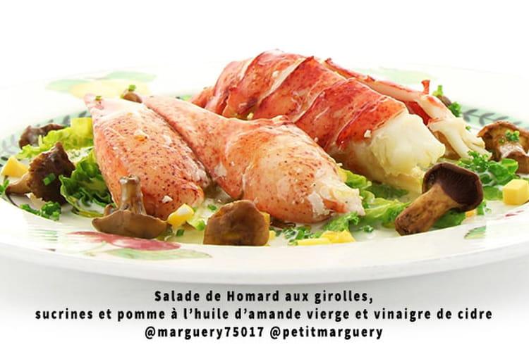 Salade de homard aux girolles, pomme à l'huile d'amande vierge