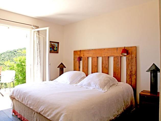 Tête de lit massive