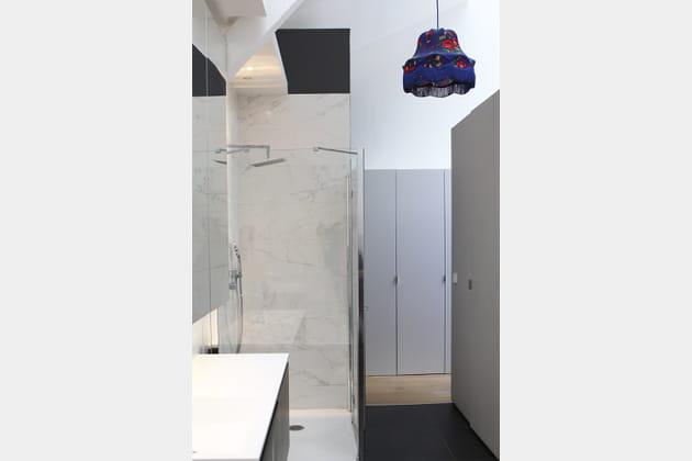 Douche à l'italienne en marbre