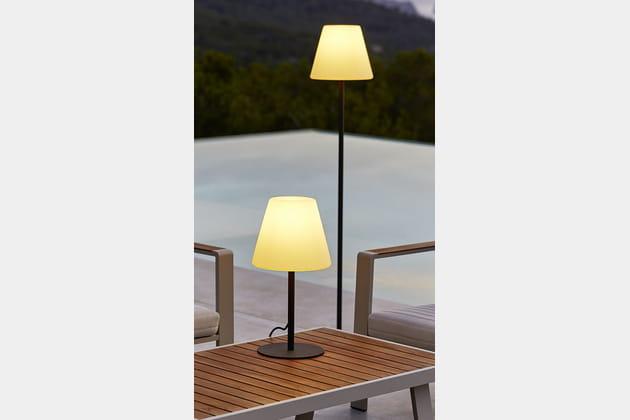 Lampadaire et lampe de table de carrefour for Table jardin carrefour 99 euros
