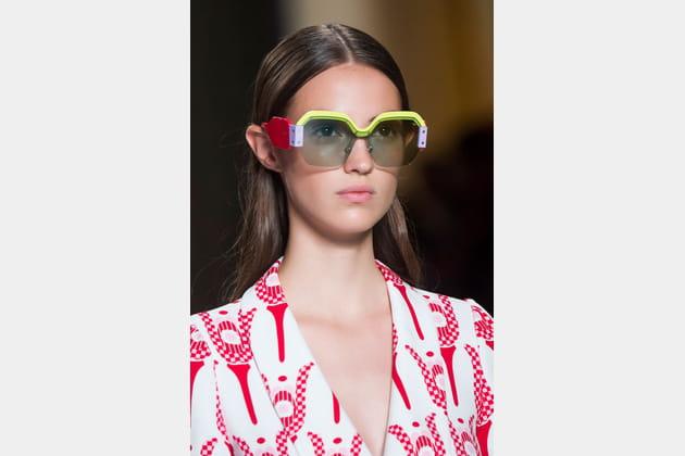 Les lunettes de soleil géométriques du défilé Miu Miu