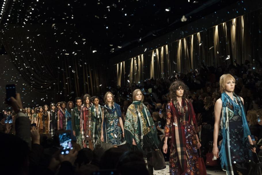 La mode fait sa révolution et impose son décalage horaire