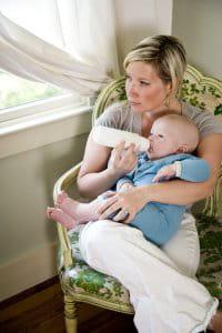 une chaise pour allaiter ou donner le biberon à son bébé