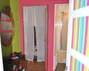 Hall d 39 entr e aux couleurs vives for Couleur tendance hall d entree