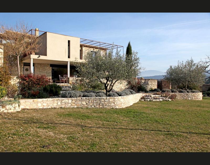 Une maison en pierres revisitée
