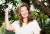 """Valérie Trierweiler """"donne des nouvelles"""" et s'en prend à Hollande"""
