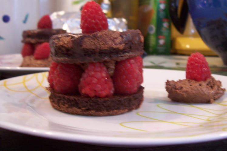 Petits gâteaux choco-mousse-framboises