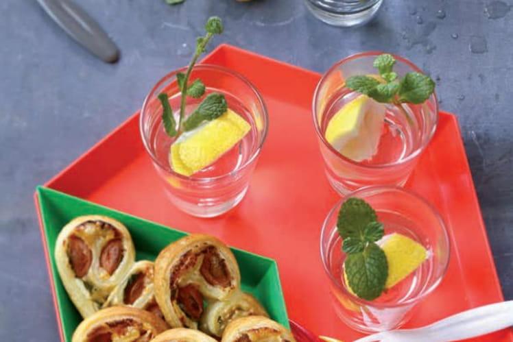 Palmiers aux Knacki®, herbes fraîches et fromage râpé