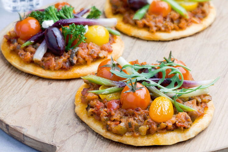 Mini pizza veggie au pesto de légumes méditerranéens