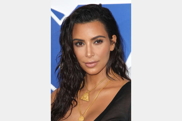 La chevelure wet de Kim Kardashian