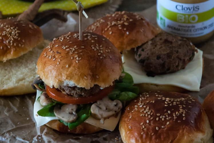 Burger d'automne citronné aux champignons