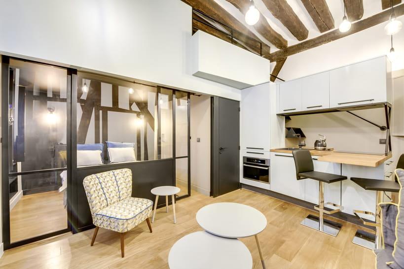 Avant-après : un studio transformé en deux-pièces avec mezzanine