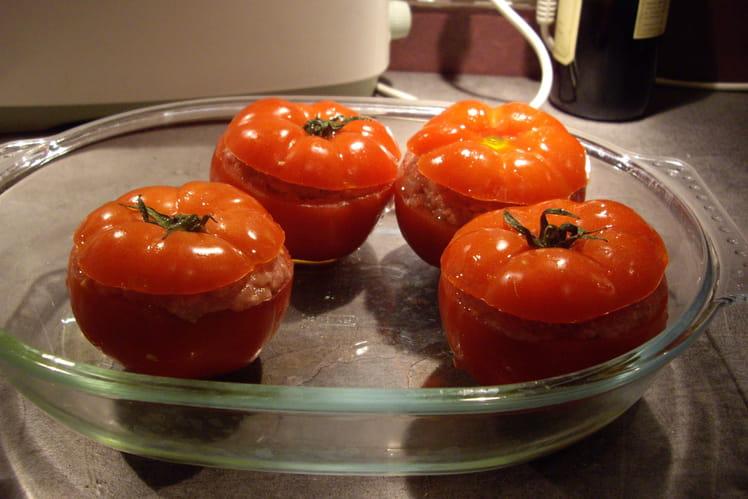 Tomates farcies au poulet et au boeuf
