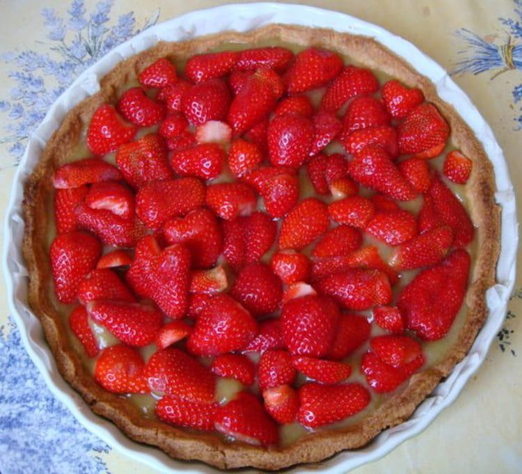recette de tarte aux fraises et compote de rhubarbe la recette facile. Black Bedroom Furniture Sets. Home Design Ideas