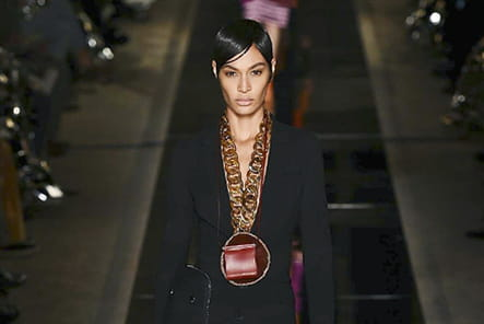 Givenchy - passage 18