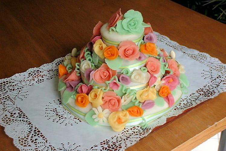 Gâteau d'anniversaire à l'orange et aux amandes