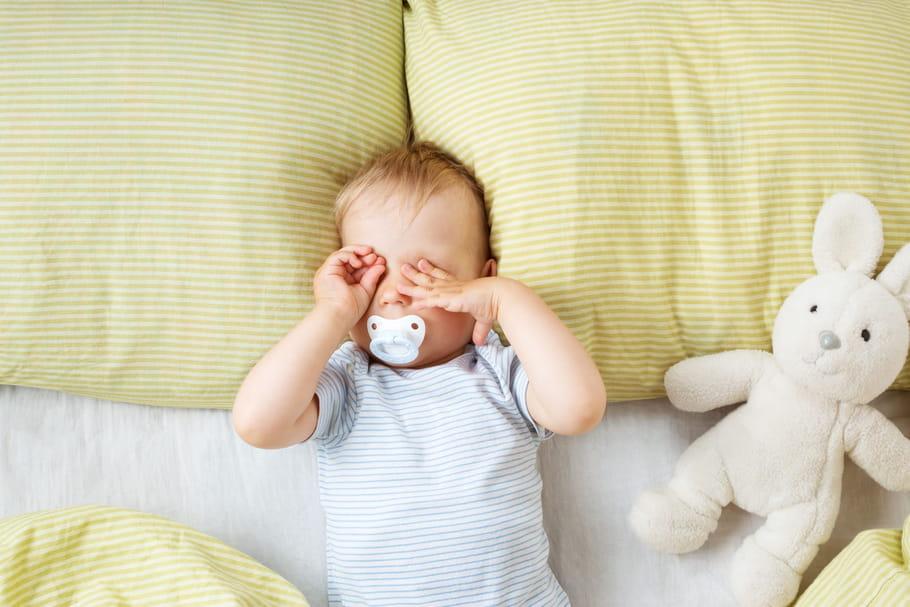 Tétine: utilité, avantages et inconvénients de la sucette de bébé