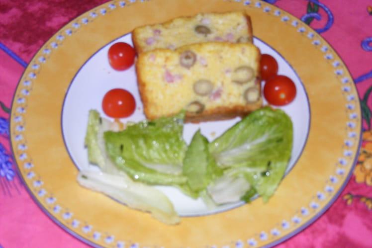 Cake aux olives et lardons fumés
