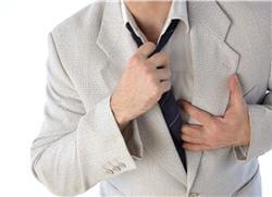 dans 90 % des cas la douleur de l'infarctus siège dans la poitrine.