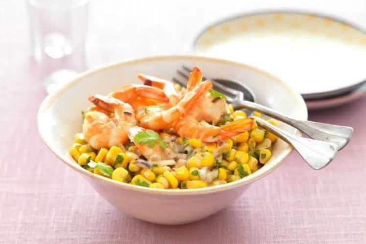 Salade croquante de maïs, crevettes et herbes