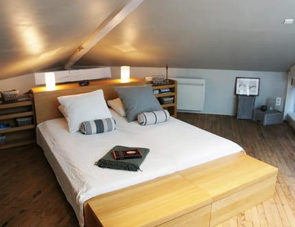 dans le grenier une suite parentale de r ve. Black Bedroom Furniture Sets. Home Design Ideas