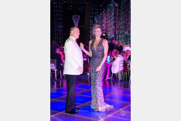 Albert et Charlene de Monaco ouvrent le bal