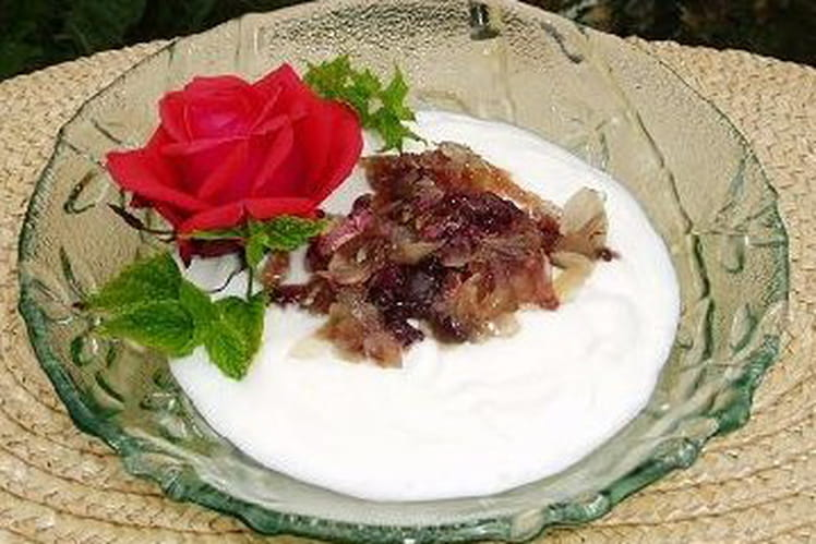 Dessert blanc à la rose