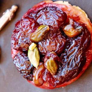 mini tatins cerises et pistaches, caramel beurre salé