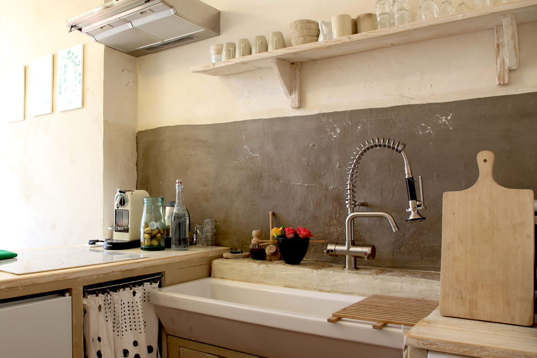 cr dence gris e. Black Bedroom Furniture Sets. Home Design Ideas