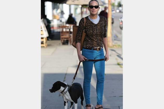 Sharon Stone, dans les rues de Beverly Hills