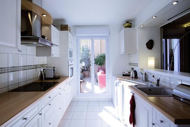 cuisine ouverte sur la terrasse. Black Bedroom Furniture Sets. Home Design Ideas