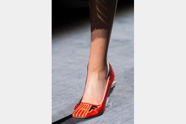 Fendi Couture (Close Up) - photo 3
