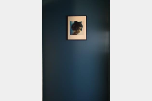 Un mur bleu gris