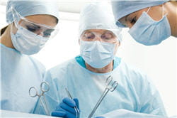 anesthésie et médicaments permettent d'éviter les douleurs.