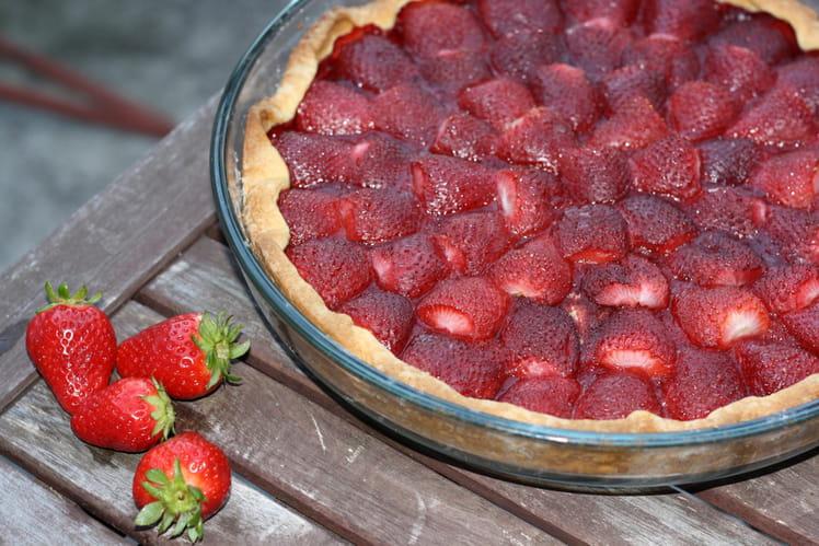recette de tarte aux fraises crues la recette facile. Black Bedroom Furniture Sets. Home Design Ideas