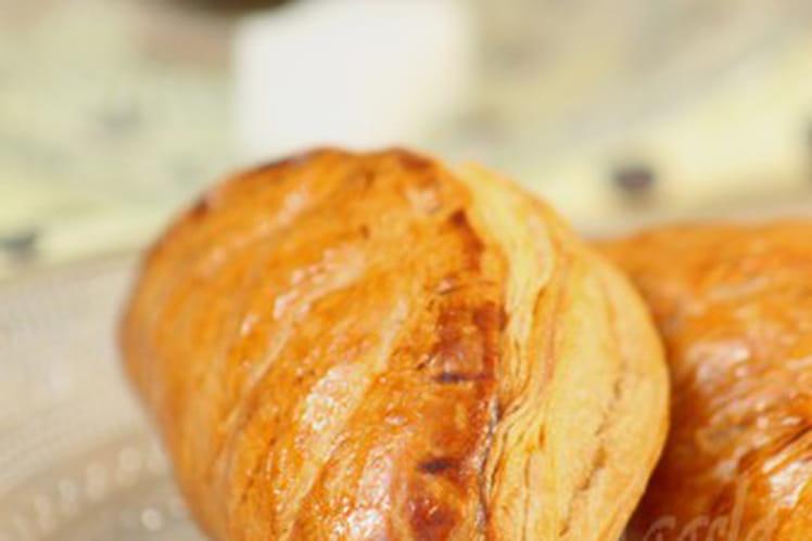 Chaussons aux pommes et confiture d'abricots