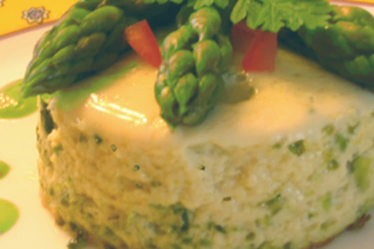 Mousseline d'asperges à la pistache