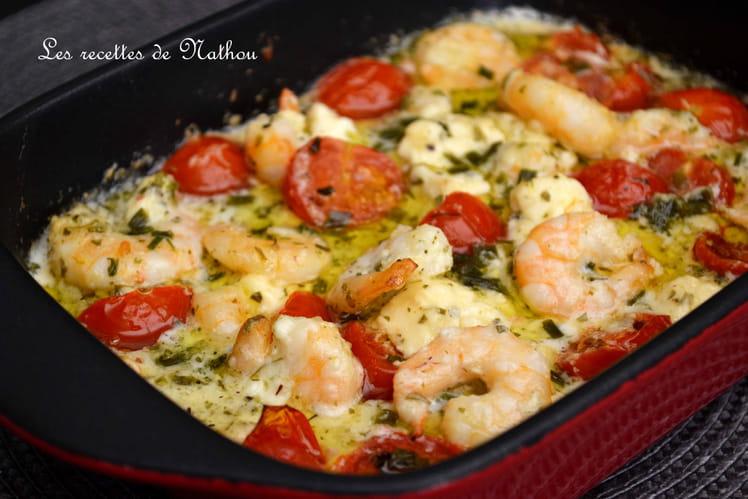 Scampis à l'ail, feta et tomates cerises