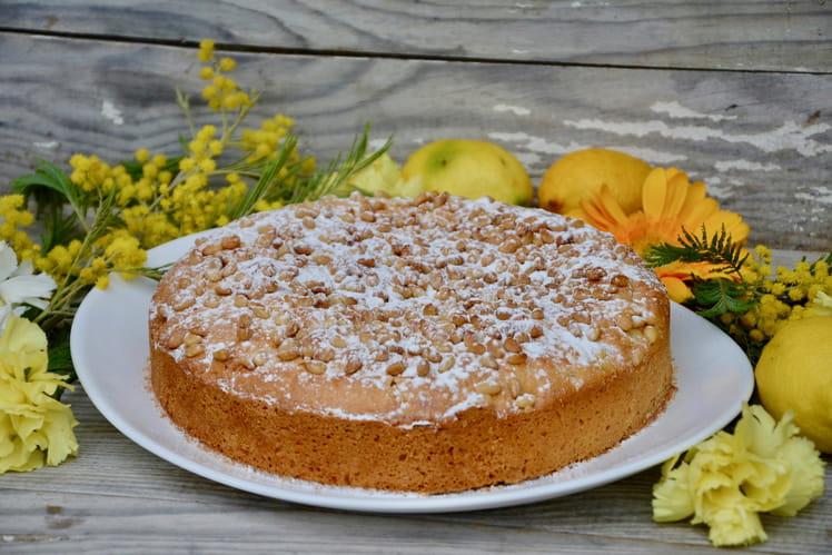 Torta della nonna, tarte italienne à la crème pâtissière citronnée et aux pignons