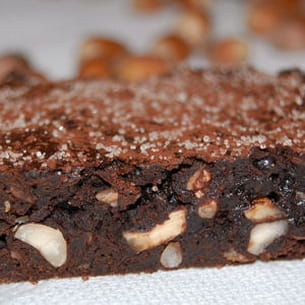 brownie au chocolat noir et noisettes