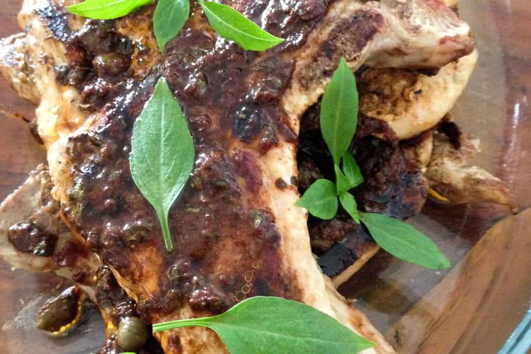 Côtes de porc grillées aux olives